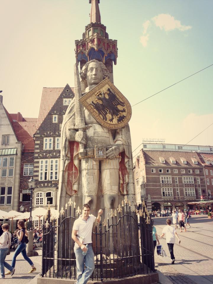 roland heykeli